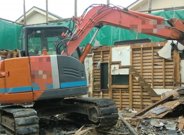 家の解体現場