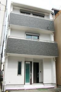 杉本邸-外観-web.JPG